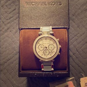 EUC Michael Kors watch with all links and box